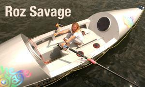 Roz Savage auf ihrem Ruderboot (Juni 2005)